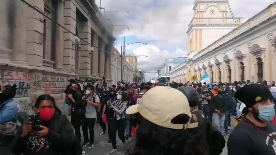 GUATEMALA ARDE EL CONGRESO