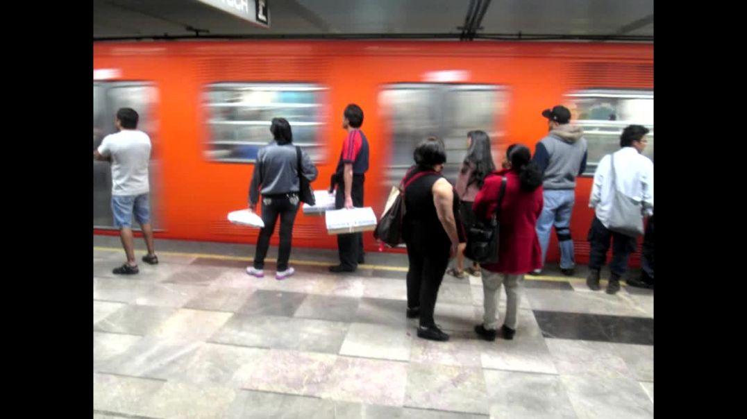 Ángeles Invisibles en el metro de la Ciudad de México
