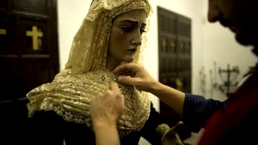 El Vestidor. Vistiendo a la Vírgen María.