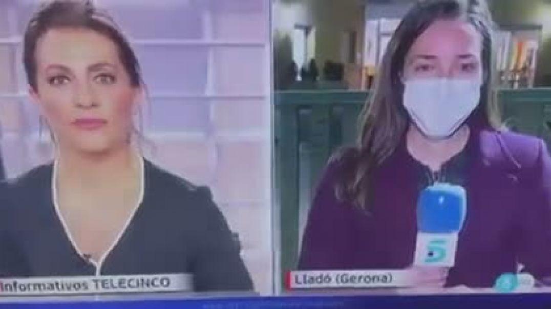 Gerona, 45 personas contagiadas, 5 hospitalizados y 1 fallecido tras recibir la primera dosis de la
