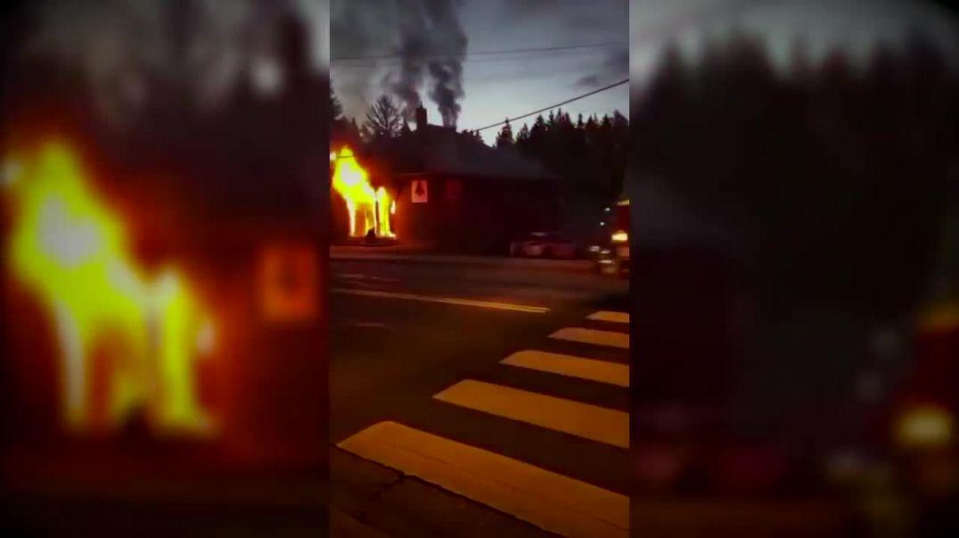 Los templos masónicos arden!