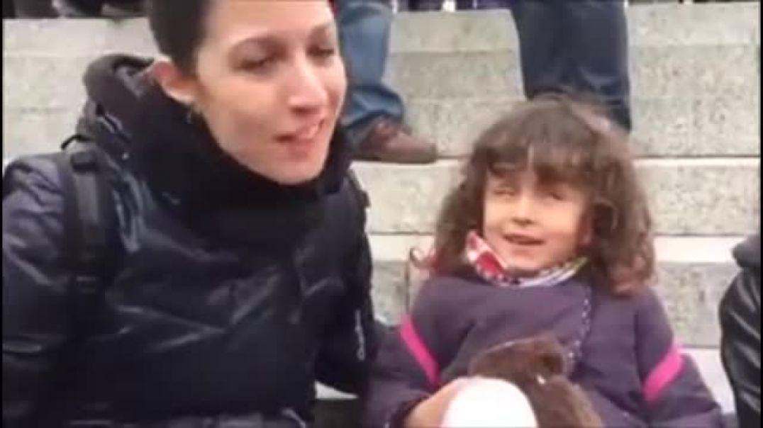 Niños y niñas son adoctrinados y manipulados por feministas y lobby gay.