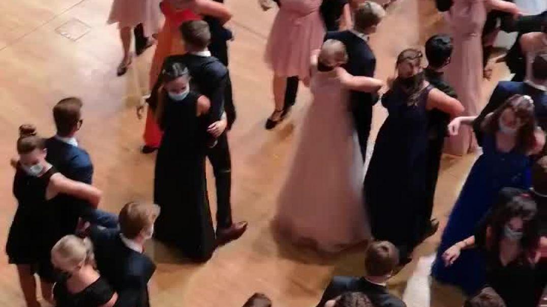El baile de los Covidiotas.