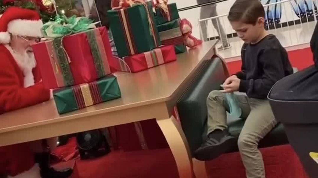 Cuando hasta Papá Noel hace llorar a los niños.