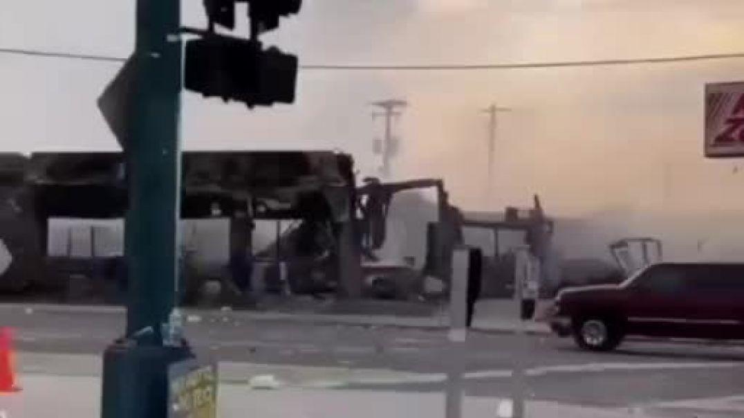 Los BLM destrozan las ciudades y la policía no aparece.