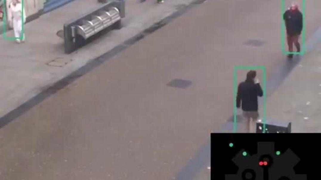 Vigilancia con reconocimiento facial para mantener la distancia social.
