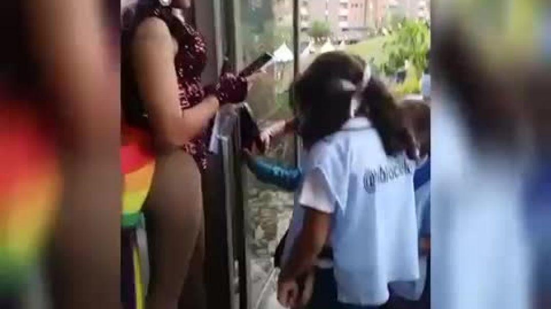 Alevoso adoctrinamiento de los niños en Colombia