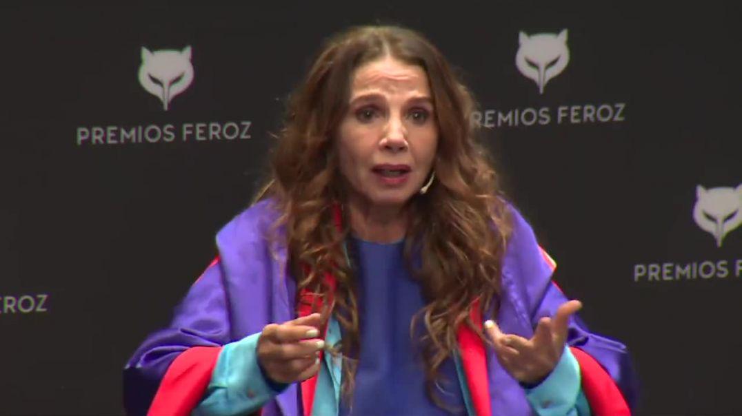 La valiente actriz y cantante Victoria Abril denunciando la falsa pandemia en los premios feroz