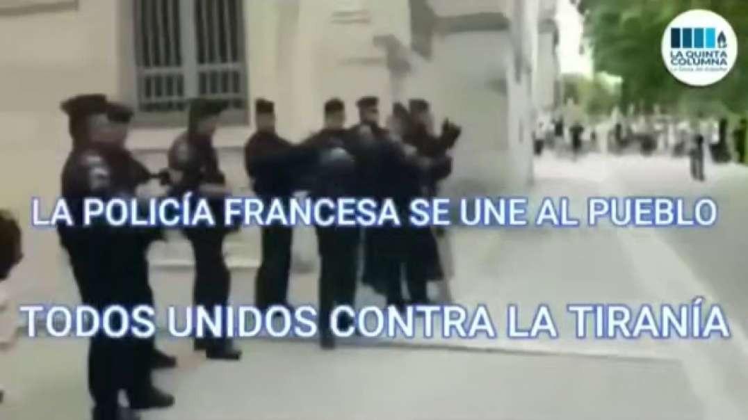 Policía se une al pueblo en contra del pasaporte verde... ¡Para vacunados Covid!
