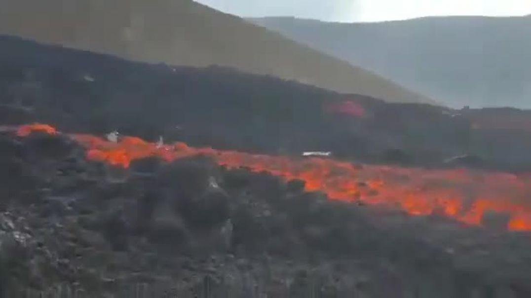 Erupción volcánica en la Isla de Palma.